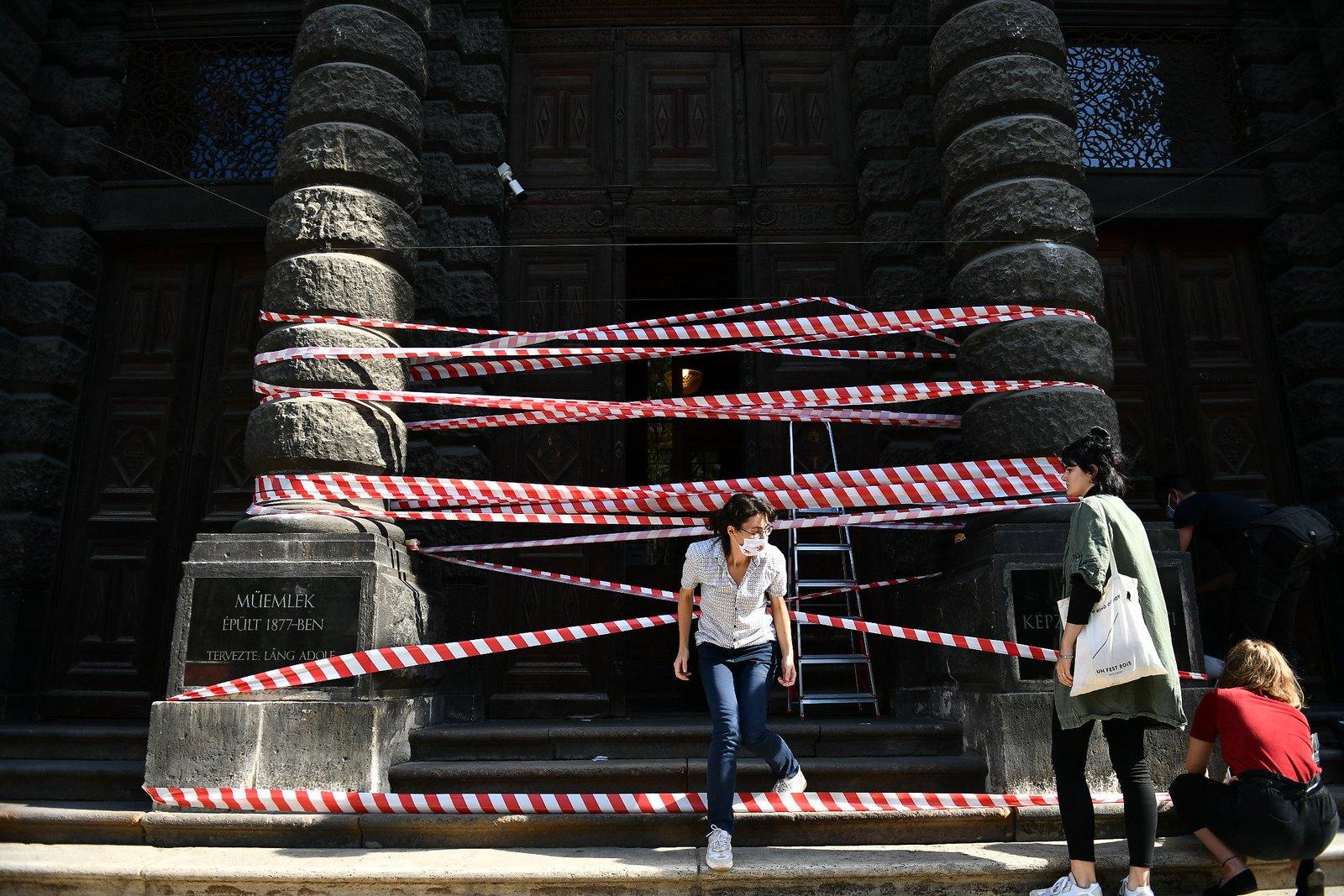 """""""A molinónkat elvihetik, minket nem"""" – tüntetés lesz az SZFE-ért Szegeden"""