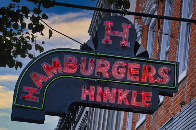 Burgers at Hinckle's