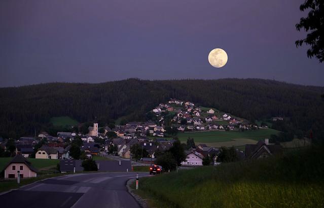 Fischbach im Mondschein