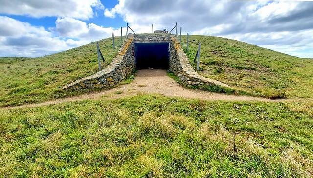 Barclodiad y Gawres Burial Chamber -  Llanfaelog (16)