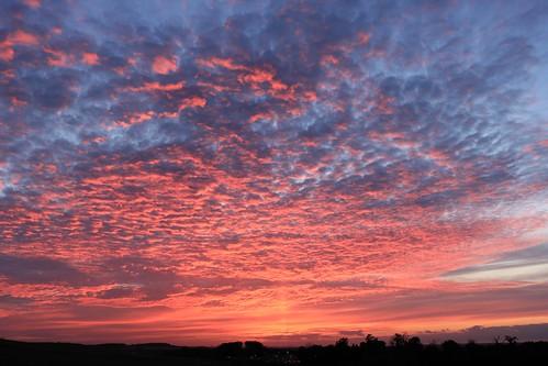 royston hertfordshire sunset england unitedkingdom uk therfieldheath evening clouds blue red orange sky canoneos750d