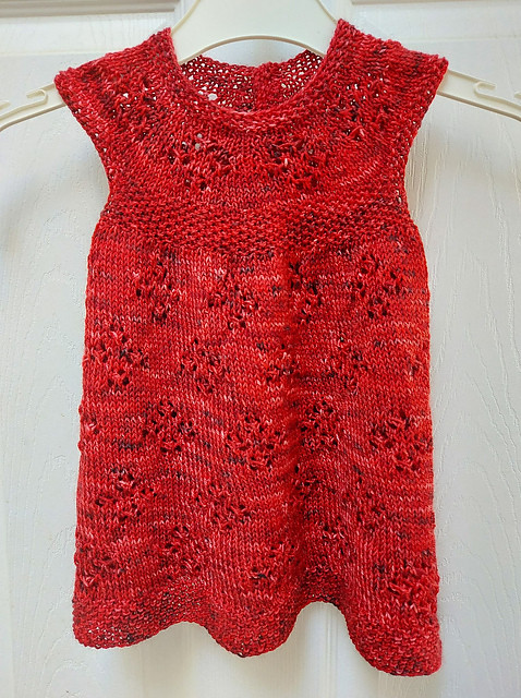 Sandi (sandima) knit this Imogen Jane test knit using yarn from a local dyer