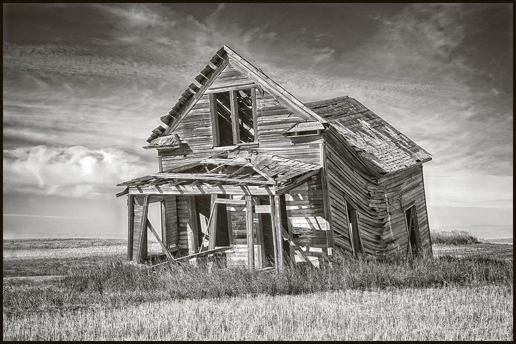 9-3-20 - Old prairie ranch house - B&W