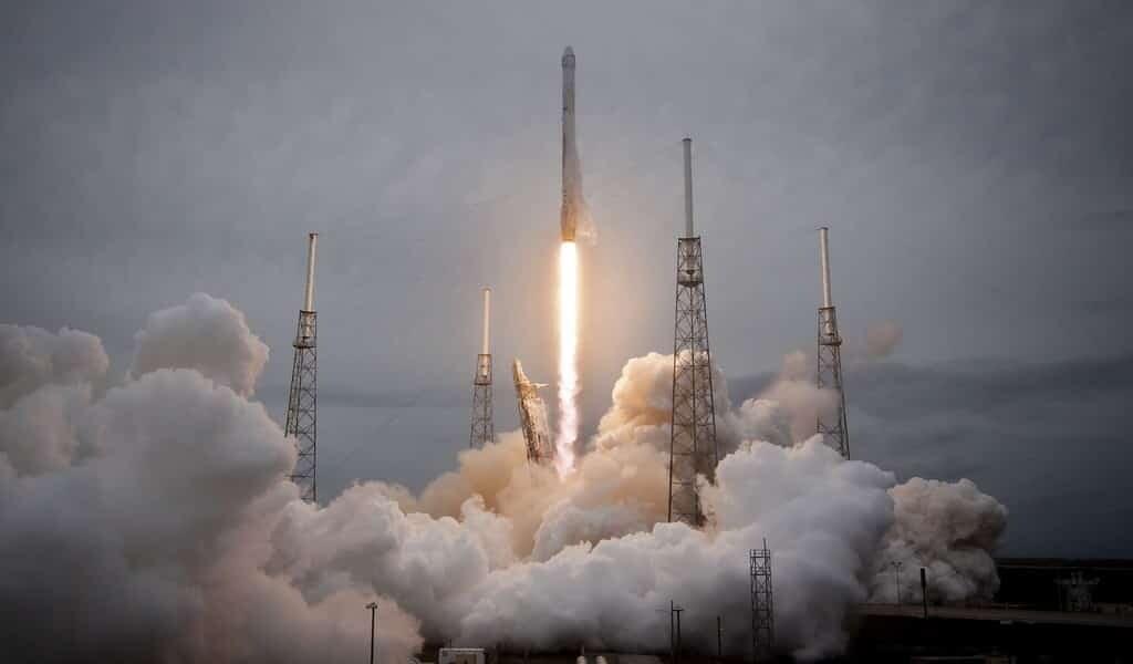 Selon SpaceX son service internet fournit le haut débit
