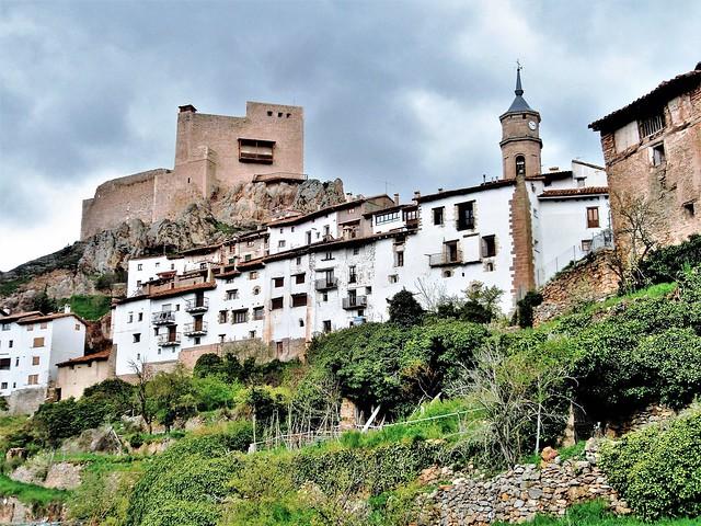 Alcalá de la Selva y su castillo - Teruel