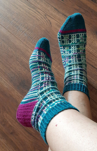 Jocelyne (jocblais) finished these fabulous Sweet & Tartan Socks by Tracie Millar! One of the yarns uses is CoopKnits Socks Yeah! in Topaz!