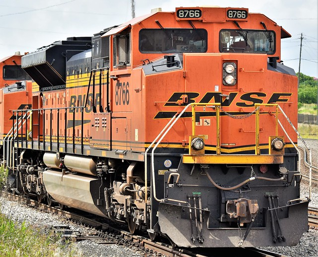 BNSF-8766