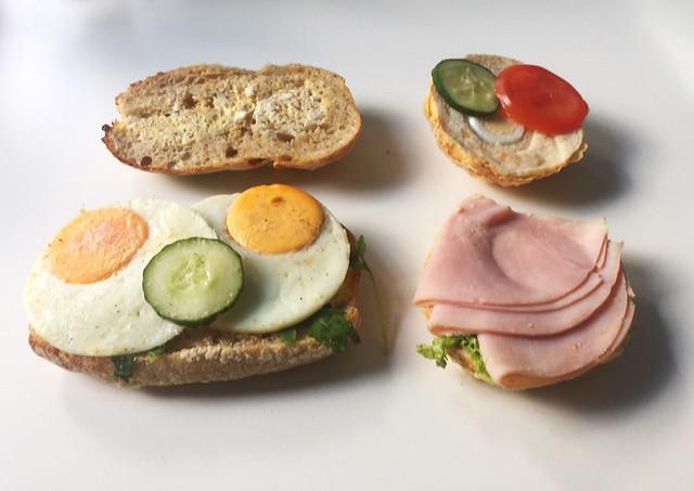 Egg bun & Cheesebun with ham - Opened / Eierbrötchen & Käsebrötchen mit Schinken - Aufgeklappt