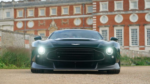 aston-martin-victor-front
