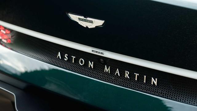 aston-martin-victor-badge