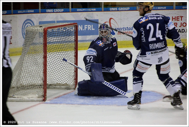 Iserlohn Roosters vs Tilburg Trappers