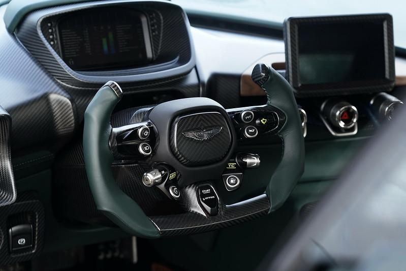 Aston-Martin-Victor-03