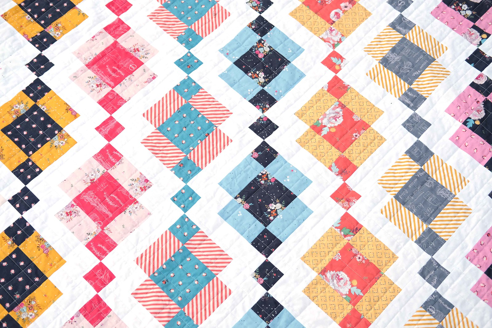 The Kelly Quilt in Idyllic - Kitchen Table Quilting