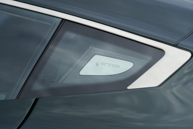 Aston-Martin-Victor-04