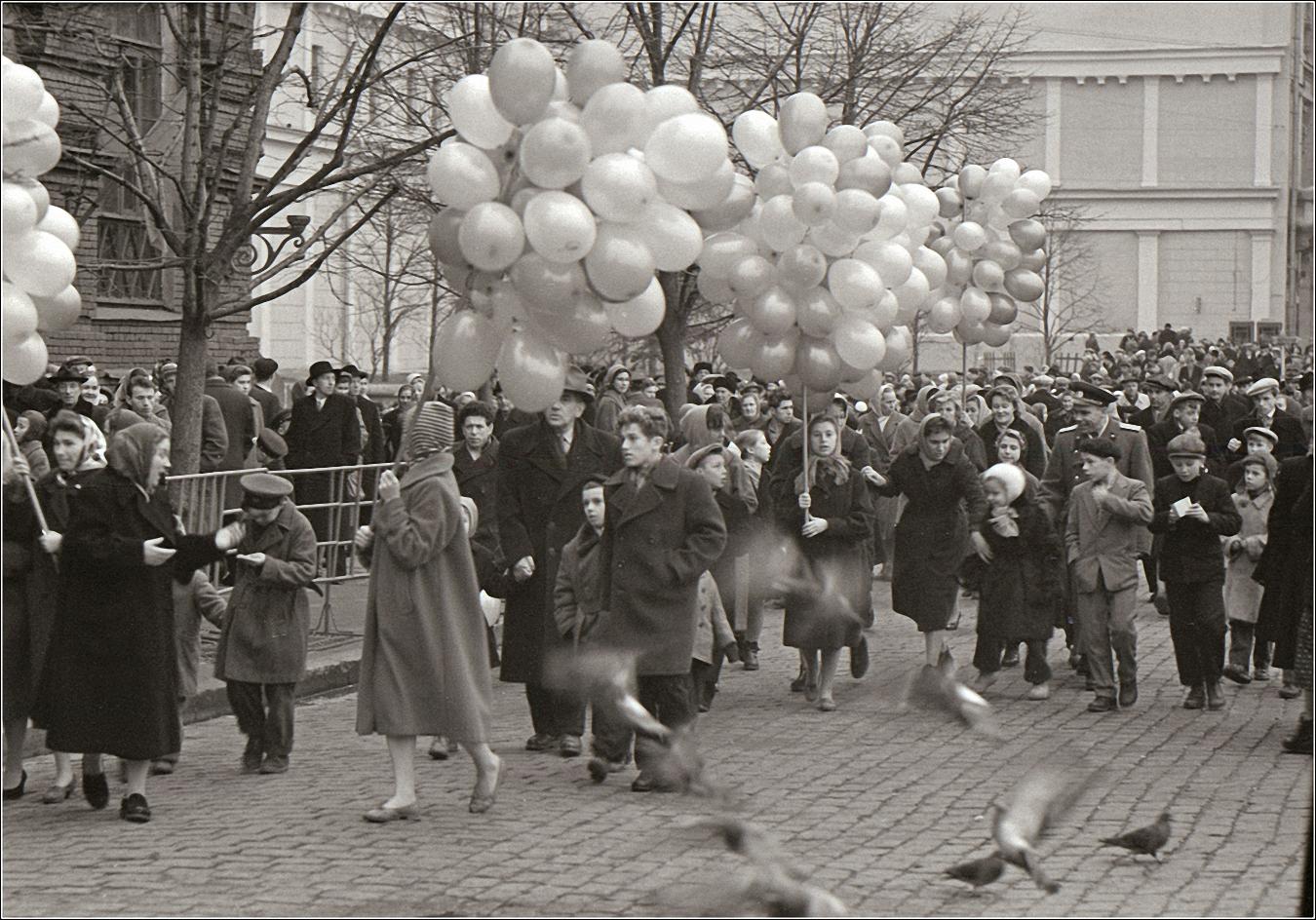 26. 1959. После демонстрации