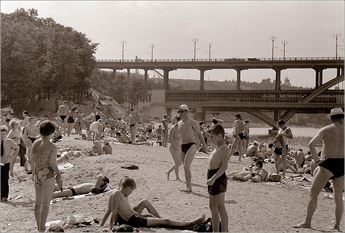 22. 1959. Ленинские горы, у метромоста