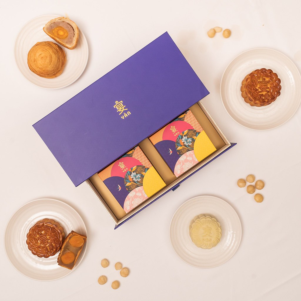 Yan Mooncake Box Group