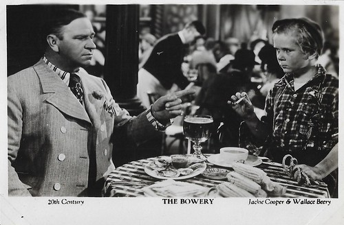Jackie Cooper and Wallace Beery in The Bowery (1933)