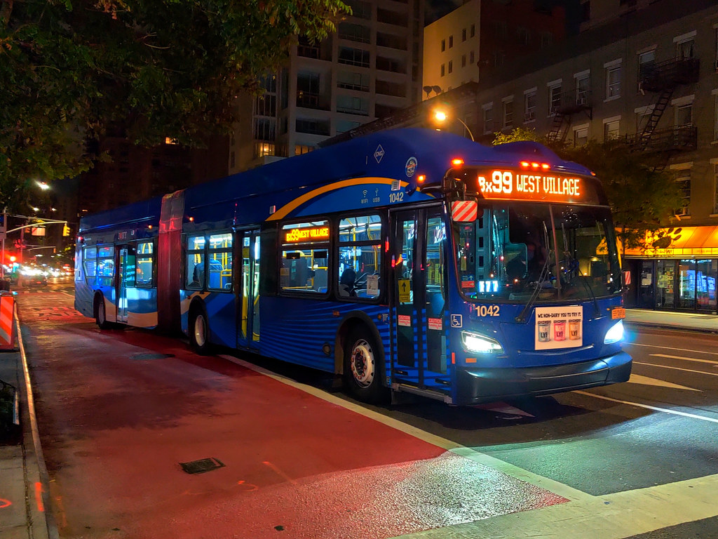 """2018 New Flyer """"Xcelsior"""" XN60 1042 on the Bx99 at 2nd Avenue & 60th Street"""