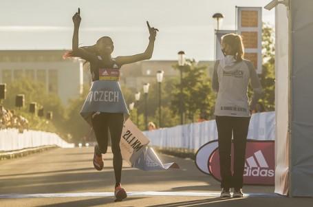 Půlmaratonský restart na Letné se světovým rekordem