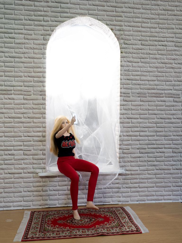 Phicen Window Posing 50308885053_44f111c846_b
