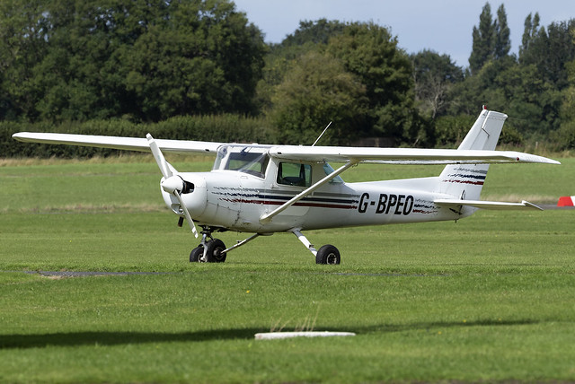 Private Cessna 152 G-BPEO at Wolverhampton Halfpenny Green Airport EGBO