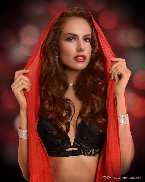 Glamour Girl Starlette - Melanie