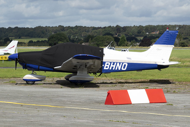 Private Piper PA-28 G-BHNO at Wolverhampton Halfpenny Green Airport EGBO