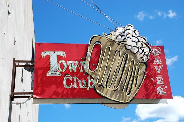Minnesota, Delano, Dave's Town Club