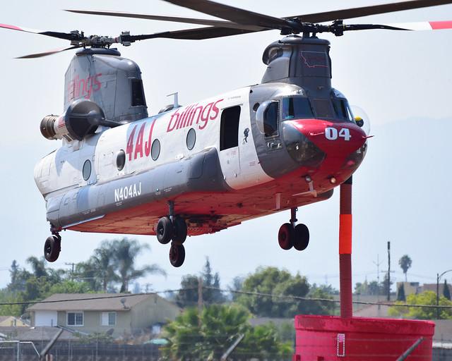 CH-47D N404AJ at RHV (2)