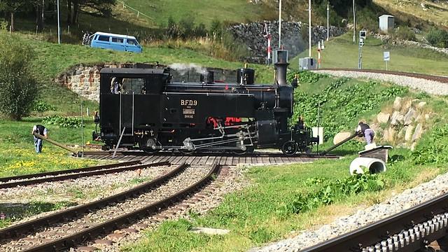 DFB-Lok Nr. 9 auf der Drehscheibe in Oberwald
