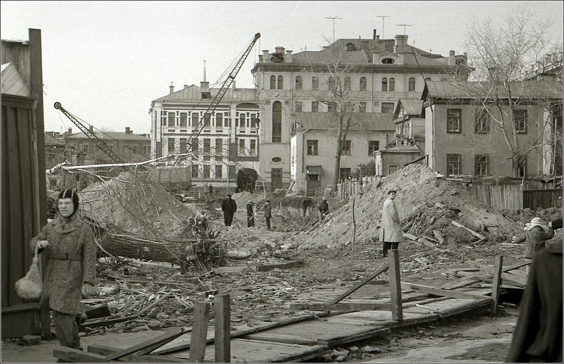 57. 1962. Снос домов на Б.Молчановке