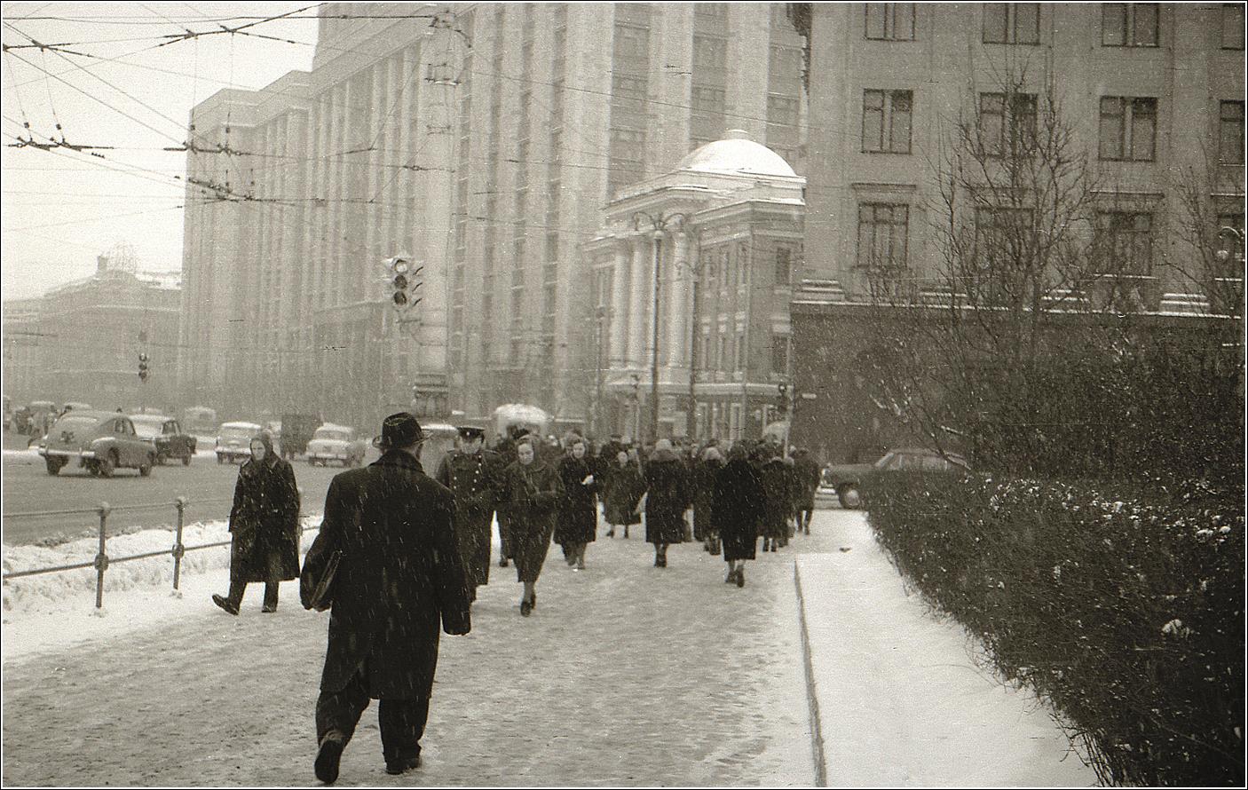 58. 1962. Театральная пл. у Большого Театра