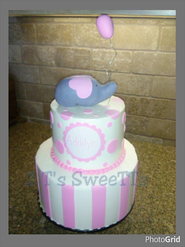 Cake by 2 T 's SweeTTs