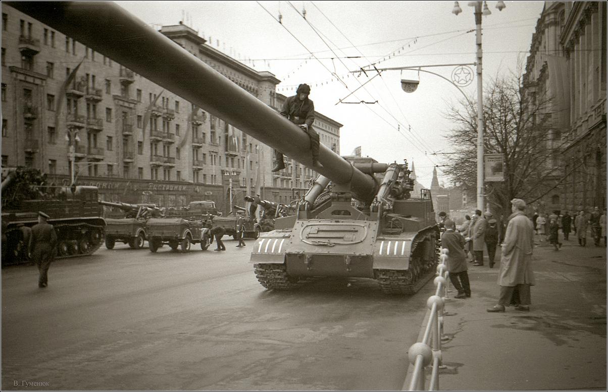 63. 1962.  Перед парадом 1 мая