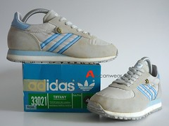 1986 VINTAGE ADIDAS TIFFANY RUNNING SPORT SHOES