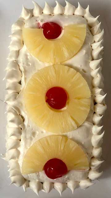 Postre de galletas y piña (postre tradicional)