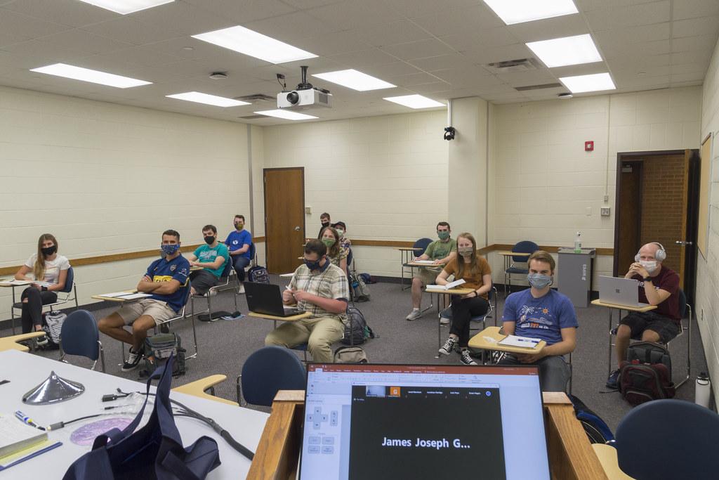Hybrid / Blended University Classroom