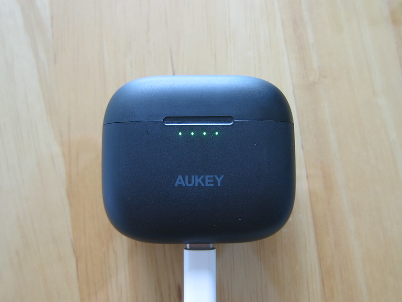 Aukey EP-N5 - Charging