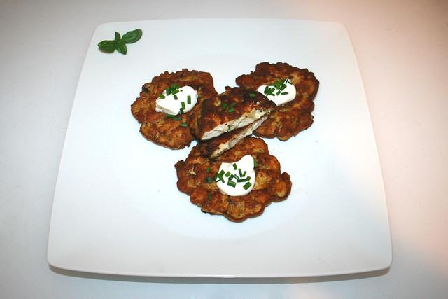 21 - French chicken pancakes - Served / Französische Hähnchenpuffer - Serviert