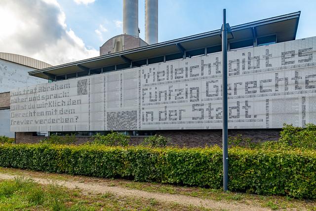 Wandzeitung am Heizkraftwerk Mitte