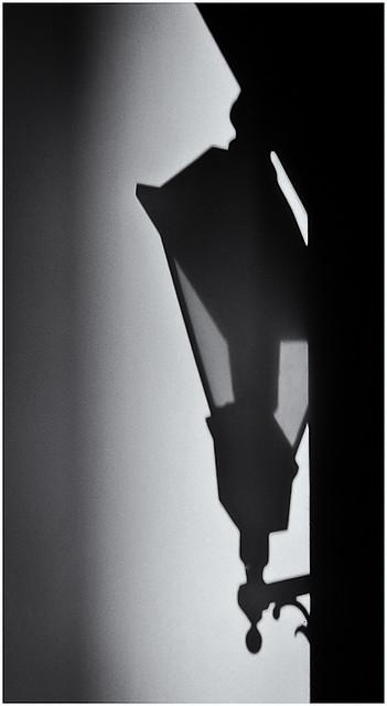 Sombra de Lámpara (Lamp Shadow)