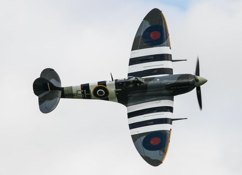 Supermarine Spitfire Vb - Royal Air Force - AB901