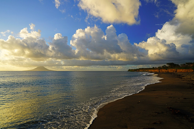 Spectacular beach with Sint Eustatius view, Sandy Point, St Kitts
