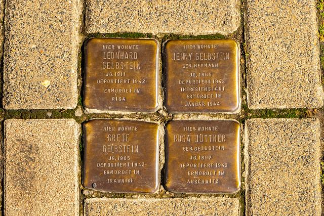 Stolpersteine für Familie Gelbstein