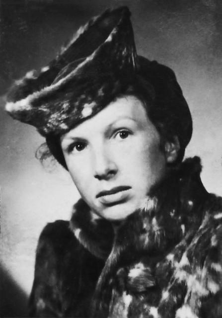 Portrait Nel Hennus, Shanghai, 1942