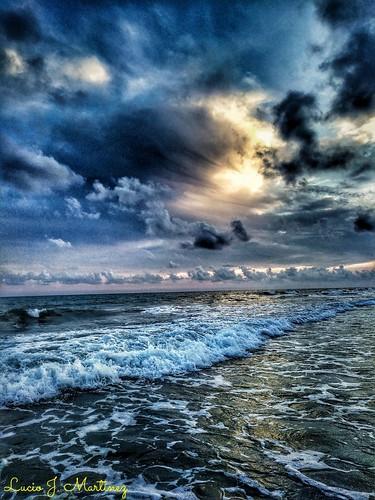 luciojosémartínezgonzález luciojmartinez gavà gava baixllobregat barcelona cataluña catalonia playa beach mar sea hdr asbeautifulasyouwant sunset atardecer ngc mediterraneo mediterranean marmediterráneo mediterraneansea nubes clouds water blue azul