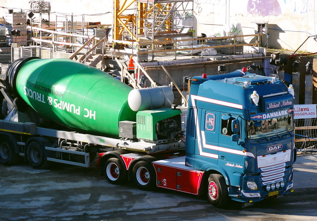 DAF XF BY53514 articulated concrete mixer