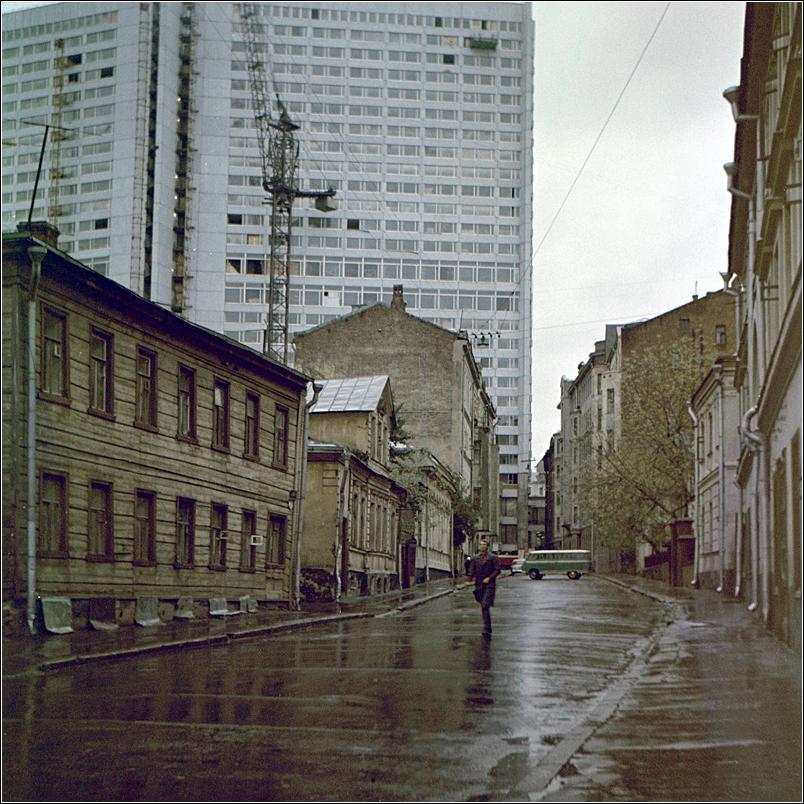 77. 1964. Новый дом на Арбате