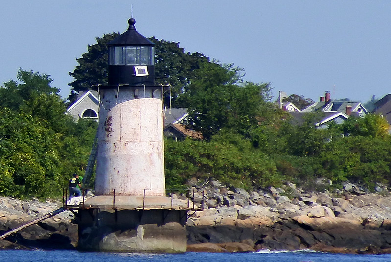 Fort Pickering Light